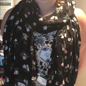 Kate Spade flora oblong scarf black/pink floral
